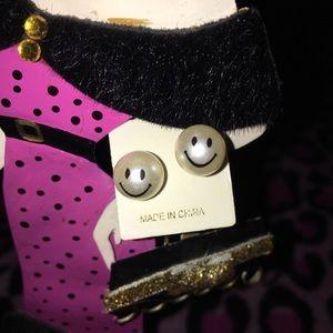 Cute smiley face earrings